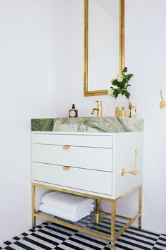 Bathroom - Paris Forino - Green marble - Corner House - ESNY - Eklund Stockholm New York