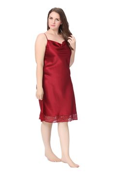 """22 Momme Lacey Hem Mid Length Silk Nightgown Plus Size Silk fabric is known for its ability to breathe and skin repair/nourishment feature, keeping you comfortable all the time. Silk is also called """"the queen of fiber"""", and we suggest that you try this set to find out the reasons."""