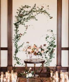Creeping plants on backdrop idea