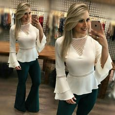 Hey Sweetie Visit our Website and enjoy with our Beauty Quizzes ! Blouse Styles, Blouse Designs, Sleeves Designs For Dresses, Blouse Vintage, Lace Tops, Dress Patterns, Fashion Dresses, Fashion Design, Fashion Trends