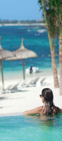 Long Beach...Mauritius. Holiday Cafe holidaycafe@travelbyarrangement.com www.holidaycafe.co.za 011 794 4900