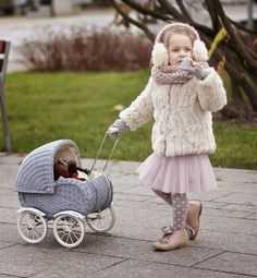 love the light in these photos Ready for winter | Vivi & Oli-Baby Fashion Life