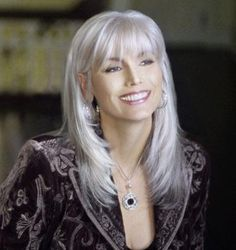 Creative ideas regarding amazing looking women's hair. Your hair is exactly what can certainly define you as a man or woman. To numerous people today it is certainly important to have a great hair style. Hairstyle New Look. Hair and beauty. Grey Hair Over 50, Long Gray Hair, Grey Wig, Grey Hair With Bangs, Silver Grey Hair Gray Hairstyles, Hair For Over 50, Long Black, Curly Gray Hair, Curly Blonde