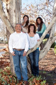 Carolyn V Photography, family portraits, family portrait pose idea, California Central Coast Portrait Photographer