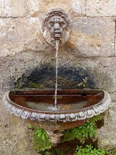 Potable water fountains to be seen and drank from throughout Italy   Tuscany