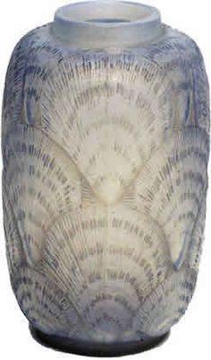 R. Lalique Vase Coquilles