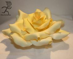 Romantic Rose Topper with tutorial - Cake by Ciccio Fondant People Tutorial, Fondant Flower Tutorial, Cupcake Tutorial, Rose Tutorial, Fondant Flowers, Clay Flowers, Sugar Paste Flowers, Cupcakes, Flower Ornaments