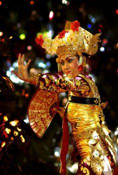 Legong Dance - Sanur, Bali by Heroe Poernomo