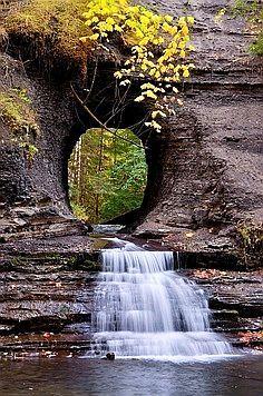 ✯ Keyhole Stream