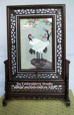 Red Crowned Crane, double-sided embroidery work, one embroidery two identical sides, Chinese Suzhou silk embroidery art, Su Embroidery Studio