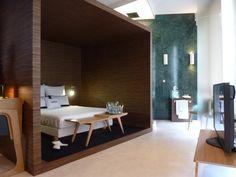 Dormitorio y baño de la Suite de Gira en Casa Decor 2013