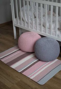 How to Make, Beautiful Crochet Patterns and Covers Crochet Diy, Crochet Pouf, Knitted Pouf, Knit Rug, Crochet Carpet, Crochet Rug Patterns, Crochet Pillow, Crochet Crafts, Crochet Projects