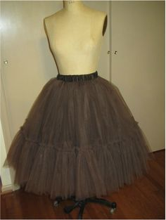 Great tip for keeping a tulle skirt from looking bulky around the waist. Saving for later!