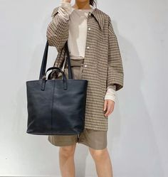 """Material: CowhideColor: Blue, Tan, WhiteDimensions: Height 11.8"""" x Width 11.4""""~13.8"""" x Depth 3.9"""" Inches Tote Handbags, Tote Bags, Shopper Bag, Black Tote Bag, Purses And Bags, Leather Totes, Handmade Leather, Annie, Jewel"""