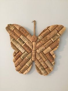 Easy Upcycle Wine Cork Ideas Crafts For Kids - Upcycled Crafts Wine Craft, Wine Cork Crafts, Wine Bottle Crafts, Upcycled Crafts, Wine Cork Art, Wine Corks, Crafts To Make, Crafts For Kids, Diy Crafts