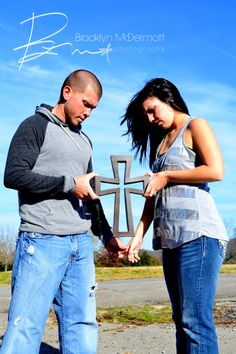 Engagement Picture. Best pic I've seen yet. Put God in the center of your marriage and nothing can shake it!