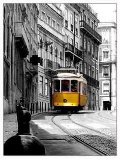 Mat Kearney - City of Black and White (A tribute to Lisbon) Splash Photography, City Photography, Digital Photography, Photography Ideas, Black And White Cartoon, Black White, Tramway, Bonde, Best Cities