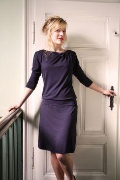 Knielange Kleider - Christa Kleid marineblau - ein Designerstück von Mirastern bei DaWanda