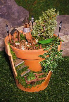 Mini Garden Woodland Lodge Set