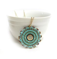 Beaded pendant necklace Beadwork, Beading, Seed Bead Projects, Bead Patterns, Seed Beads, Bronze, Pendants, Turquoise, Pendant Necklace