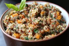 The Healthy Happy Wife: Quinoa, Kale and Sweet Potato Bowl (Dairy and Gluten/Grain Free) Sugar Free Recipes, Gluten Free Recipes, Healthy Recipes, Healthy Meals, Yummy Recipes, Healthy Habits, Vegetarian Recipes, Dinner Recipes, Yummy Food