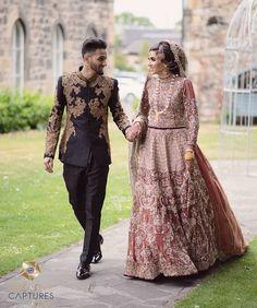 Desi Wedding, Saree Wedding, Wedding Bride, Pakistani Bridal Dresses Online, Pakistani Bridal Wear, Pakistan Wedding, Couple Photoshoot Poses, Groom Outfit, Couple Outfits