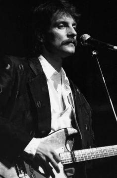 Portrait du chanteur Francis Cabrel sur scène à l'Olympia le 29 janvier 1986 à Paris France French Man, Plus Belle, Olympia, Paris France, Deco, Portrait, Concert, Vintage, January 29