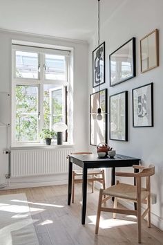 Small yet stylish studio home – via Coco Lapine De… Style At Home, Room Inspiration, Interior Inspiration, Küchen Design, House Design, Nordic Design, Blog Design, Living Area, Living Spaces