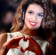 Omg parfaite ♥ Stars, Youtube, People, Singers, France, Female Singers, Music, Bedroom, Kitchens