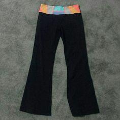 Lululemon yoga pants size 8 Colorful waist band long yoga pants size 8 lululemon athletica Pants Track Pants & Joggers