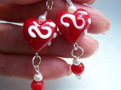 Heart Earrings Red Earrings White Earrings Lampwork by doodaba White Earrings, Glass Earrings, Heart Earrings, Art Deco Wedding, Valentine Heart, Red Gold, Pearl White, Glass Art, Unique Jewelry