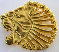 MMA Lion Head Pin Gold Tone Brooch Signed Metropolitan Museum Of Art #MMAMetropolitanMuseumOfArt