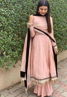 🌹 indian bridal fashion, indian wedding outfits, pakistani outfits, indian outfits, s Party Wear Indian Dresses, Indian Fashion Dresses, Designer Party Wear Dresses, Dress Indian Style, Party Dresses, Bridal Dresses, Girls Dresses, Pakistani Dress Design, Pakistani Outfits