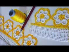 This post was discovered by mo Crochet Edging Patterns, Crochet Borders, Doily Patterns, Baby Knitting Patterns, Crochet Doilies, Crochet Lace, Tatting Necklace, Viking Tattoo Design, Crochet Videos
