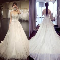 2017 Lace Princess Sweetheart Ball Gown Big Wedding Dresses. The wedding dresses are fully lined, 4 bones in the bodice, chest pad in the bust, lace up back or zipper back are all available, total 126