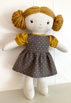 Doll Patterns Free, Doll Sewing Patterns, Sewing Dolls, Doll Clothes Patterns, Handmade Dolls Patterns, Sewing Kit, Fabric Doll Pattern, Fabric Dolls, Diy Rag Dolls