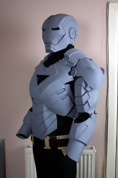 Yet another Iron Man suit build. Still completelyawesome.