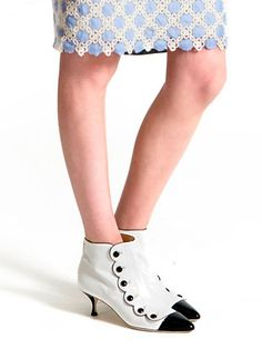 Moschino Cheap and Chic Spring/Summer 2013: to get off on the right foot!