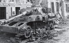 Pz.Kpfw. IV knocked out during the fighting with the 14th Armored Division in Hatten- Rittershofen in January - Hatten 3 rue de la gare