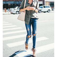 Destroyed jeans + fringes #coolhunting #annabarrosocuration