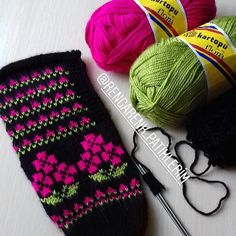 Image may contain: 1 person - 2019 Hijab Clothing Knitting Socks, Knitted Hats, Baby Knitting Patterns, Flora, Gloves, Winter Hats, Instagram, Clothing, Image