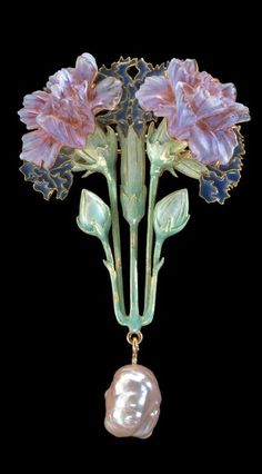 Carnation Blossom Art Nouveau Brooch ~ by René Lalique Made of enameled gold and plique-á-Jour enamel, Pate de Verre glass and a single baroque pearl, The elegantly intricate detail on this piece is just astounding! Bijoux Art Nouveau, Art Nouveau Jewelry, Jewelry Art, Vintage Jewelry, Jewelry Accessories, Fine Jewelry, Jewelry Design, Gold Jewelry, Tiffany Jewelry