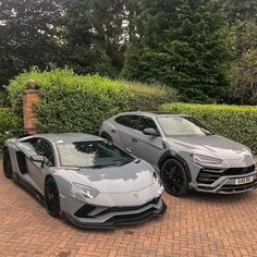 Lamborghini Aventador or Urus? Lamborghini Aventador or Urus? Luxury Sports Cars, Top Luxury Cars, Lamborghini Aventador, Carros Lamborghini, Audi R8, Ferrari Car, Dream Cars, Automobile, Lux Cars