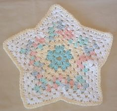 My Star Dishcloth | My Recycled Bags.com, great for using up leftover cotton yarns!