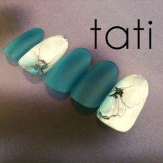 ビジュー♥️ の画像|t a t i ~京都よりオトナのためのネイルを発信~ Claw Nails, My Nails, Aloha Nails, Nail Atelier, Sculpted Gel Nails, Marble Nail Art, Floral Nail Art, Japanese Nails, Artificial Nails