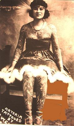 20 Amazing Vintage Portrait Photos of Women With Full Body Tattoos Vintage Photos Women, Photo Vintage, Photos Of Women, Old Circus, Vintage Circus, Dark Circus, Tattoo Passion, Old Tattoos, Vintage Tattoos