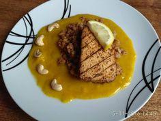 Lahodný argentínsky plátok z grilu na kamute s pomarančovo karí omáčkou a kešu orieškom.