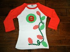 Christmas Shirt- Christmas lights appliqué Shirt or Bodysuit- You choose color by TheHeartCreations on Etsy Christmas Shirts, Christmas Sweaters, Christmas Applique, Learn To Sew, Christmas Lights, Monogram, Sewing, Trending Outfits, Lady