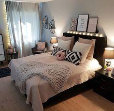 New room decor for teen girls pretty bedroom ideas 24 ideas Bedroom Decor, Bedroom Inspirations, Rose Gold Bedroom, Woman Bedroom, New Room, Room Decor Bedroom, Gold Bedroom, Small Room Bedroom, Small Bedroom