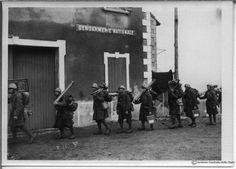 Soldati sul fronte delle Alpi occidentali, al confine con la Francia, il 25 giugno 1940